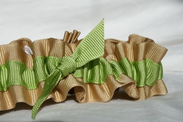 natural and green, eco-friendly wedding garters - juliane smith - style 401